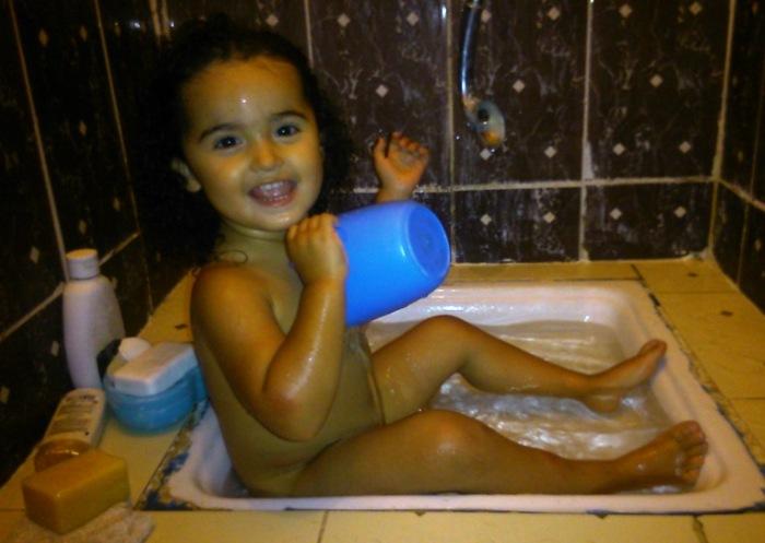 FreeToBeZ enjoying her 'bath'